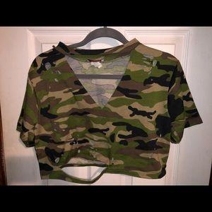 Camouflage crop top shirt